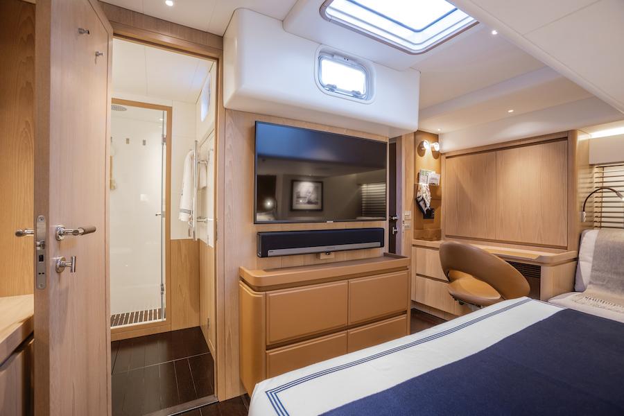 Swan 65 cabina