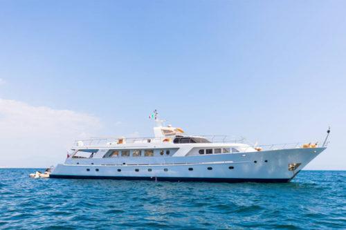 Equinoxe Yachts International